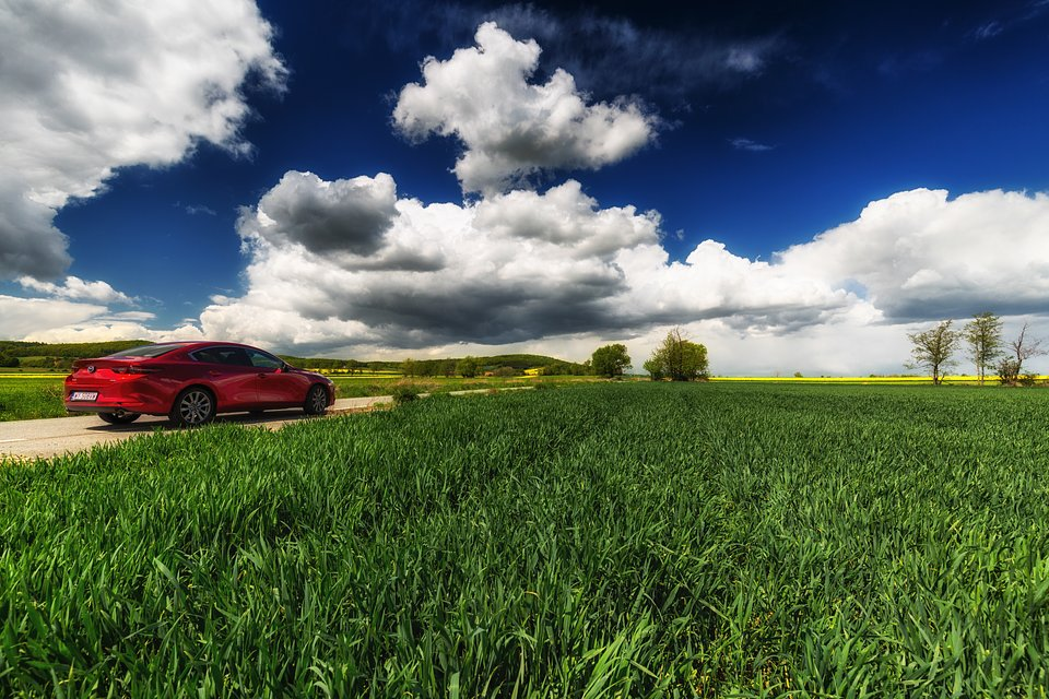 Mazda3_SlowRoad_2020_01.jpg