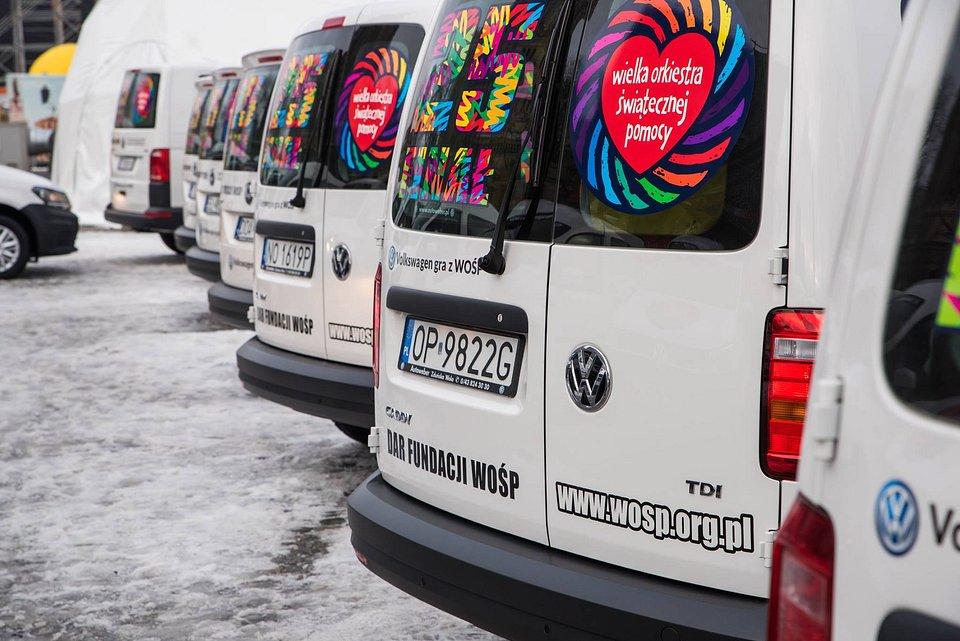 Samochody przekazane dla hospicjów w całej Polsce / Fot. Fundacja WOŚP