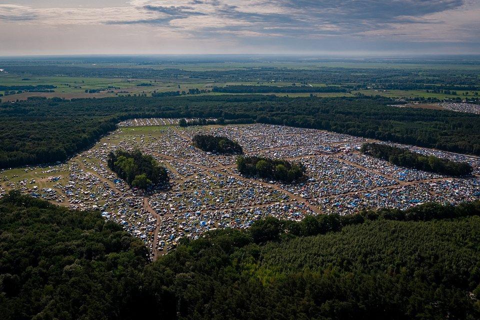 Widok na festiwalowe pole. fot. Łukasz Widziszowski