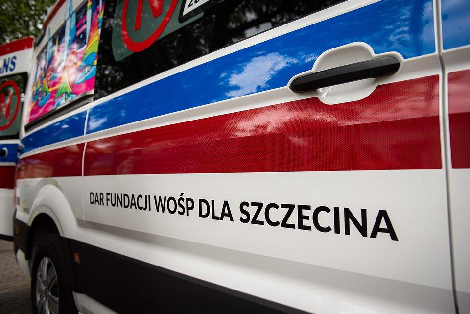 Lukasz_Widziszowski__przekazanie_karetki