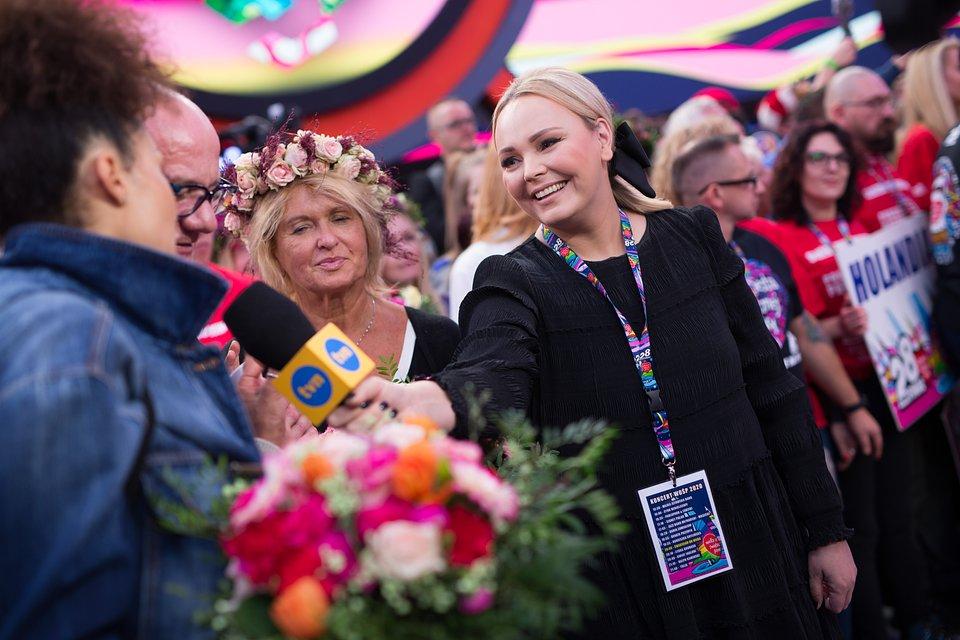 Agnieszka Jastrzębska z gwiazdami TVN podczas 28. Finału WOŚP, fot. Basia Lutzner