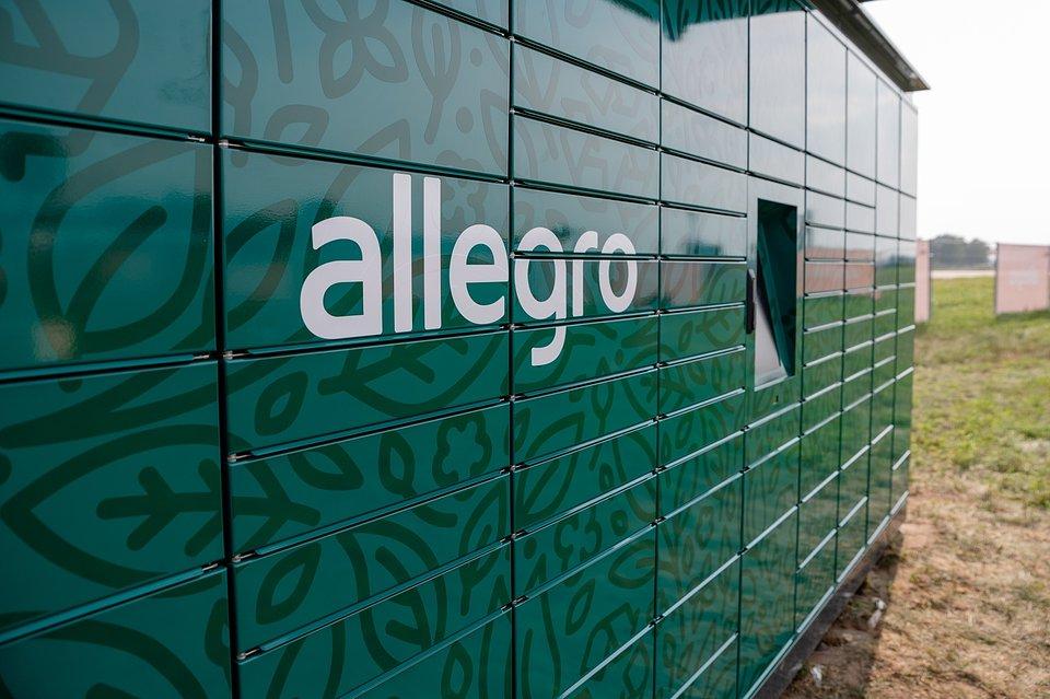 Automat paczkowy Allegro. Fot. Dominik Malik