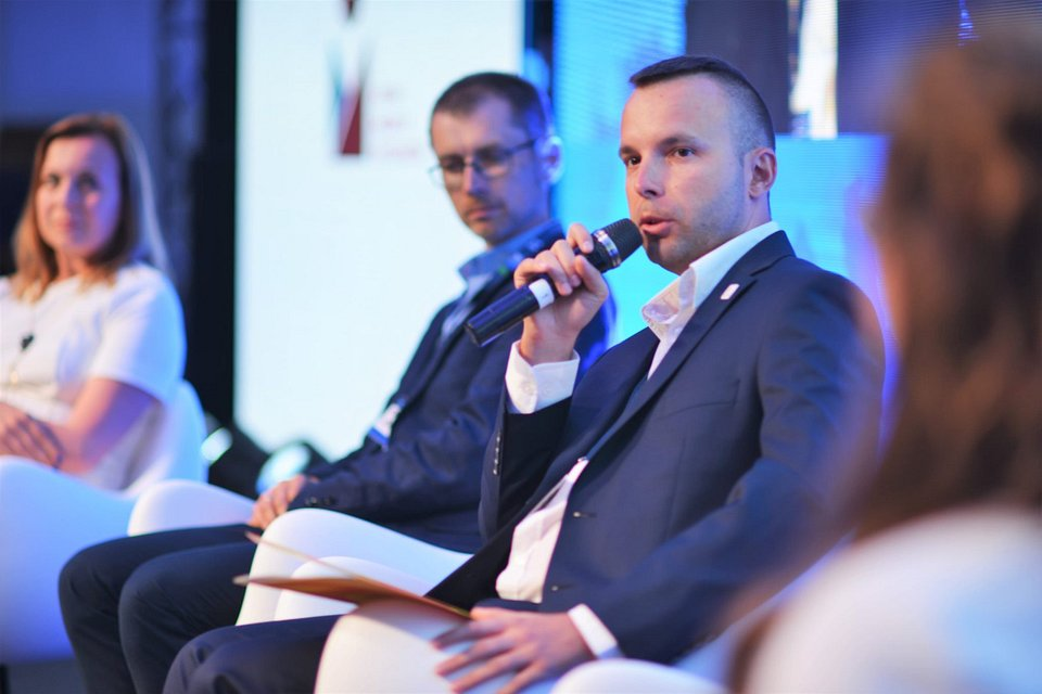 Kamil Wrzos podczas Economic Forum of Young Leaders