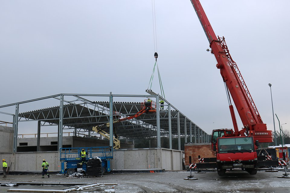 Budowa_ZU_prace_konstrukcyjne_dach.jpg