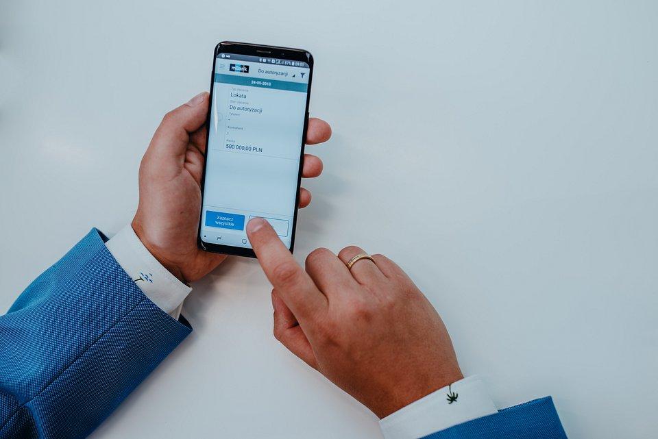 aplikacja mobilna - korporacyjna.jpg