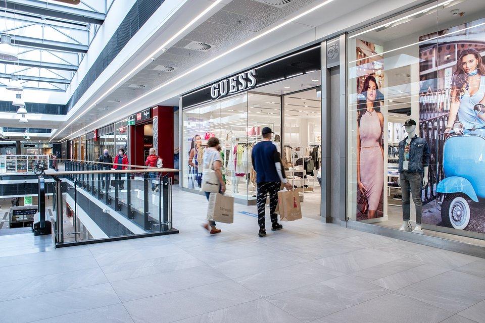 Guess w Focus Mall Zielona Góra.jpg
