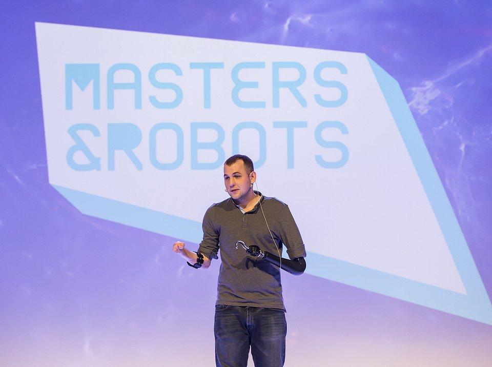 Gyorgy_Levay_Masters&Robots.jpg