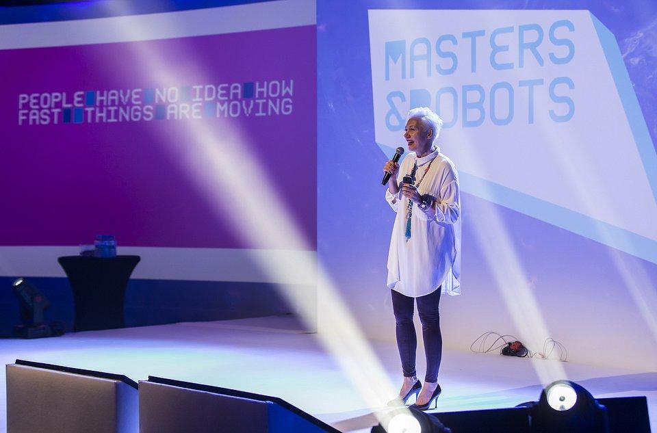 Jowita_Michalska_Masters&Robots.jpg