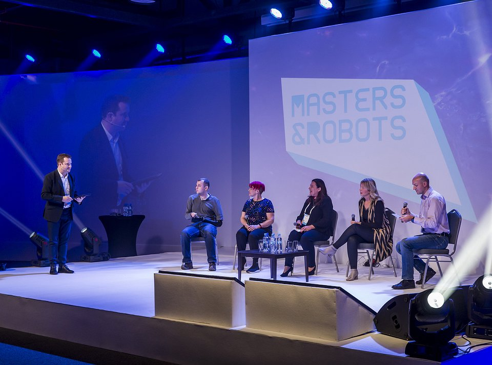 Masters&Robots_2018_Robots as an Augmented Capacity of Humans_1.jpg