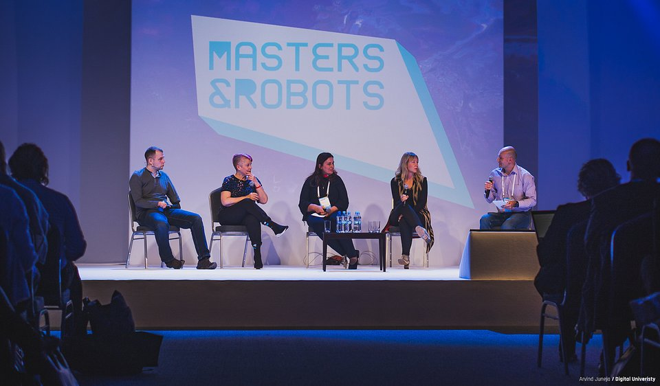 Masters&Robots_2018_Robots as an Augmented Capacity of Humans.jpg