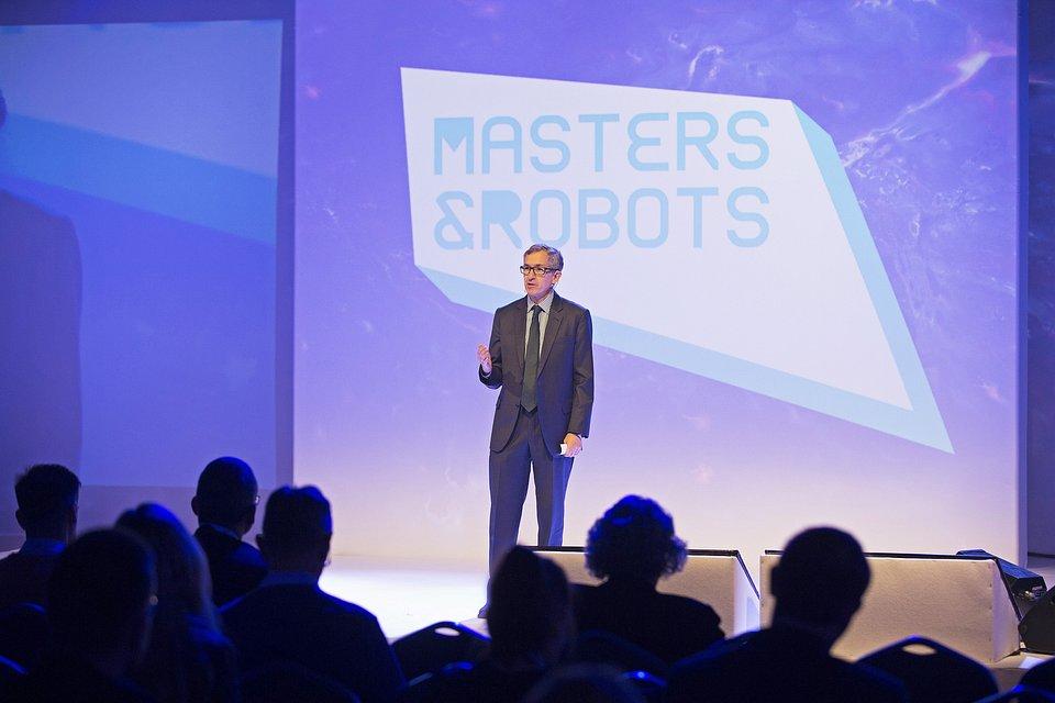 Eric_Green_Masters&Robots_2018.jpg