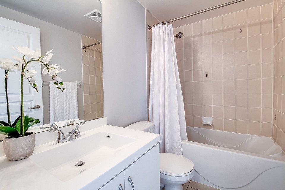 Wanna 2w1 – połączona z prysznicem.