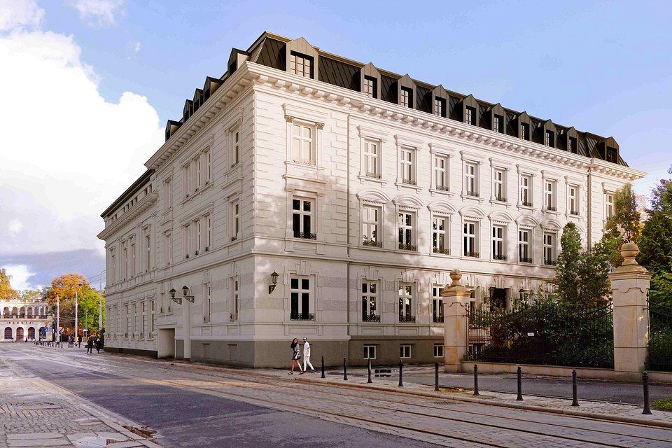 Altus Palace 02.jpg