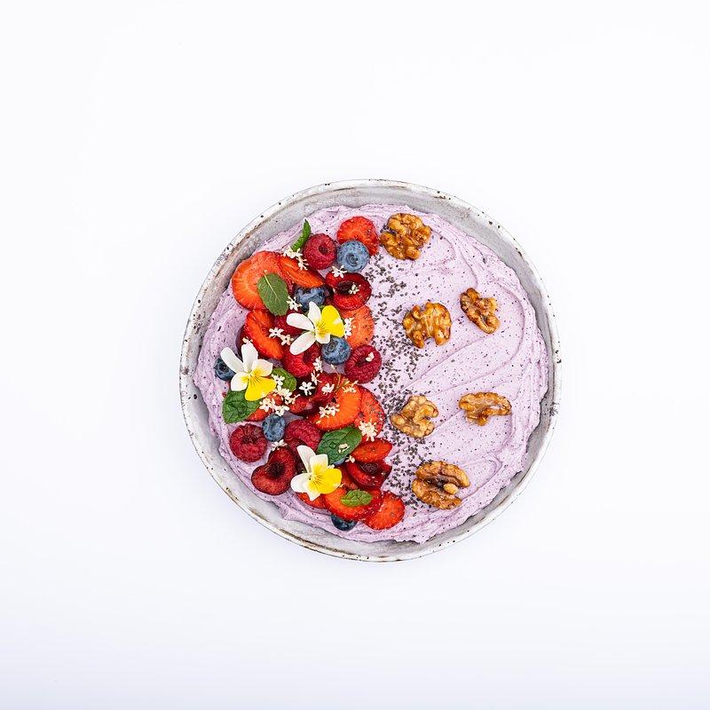 Smoothie bowl z jagoda kamczacką-16.jpg