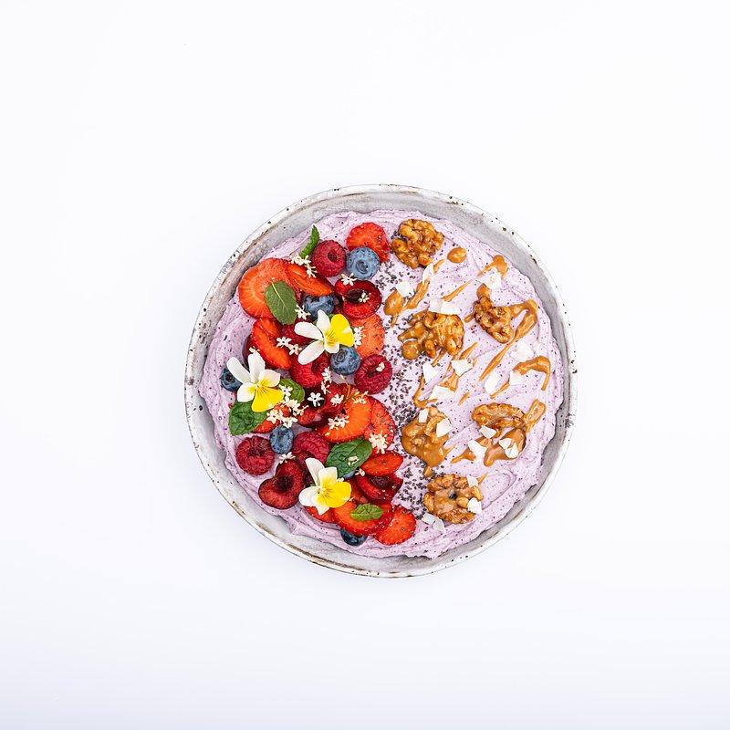 Smoothie bowl z jagoda kamczacką-18.jpg