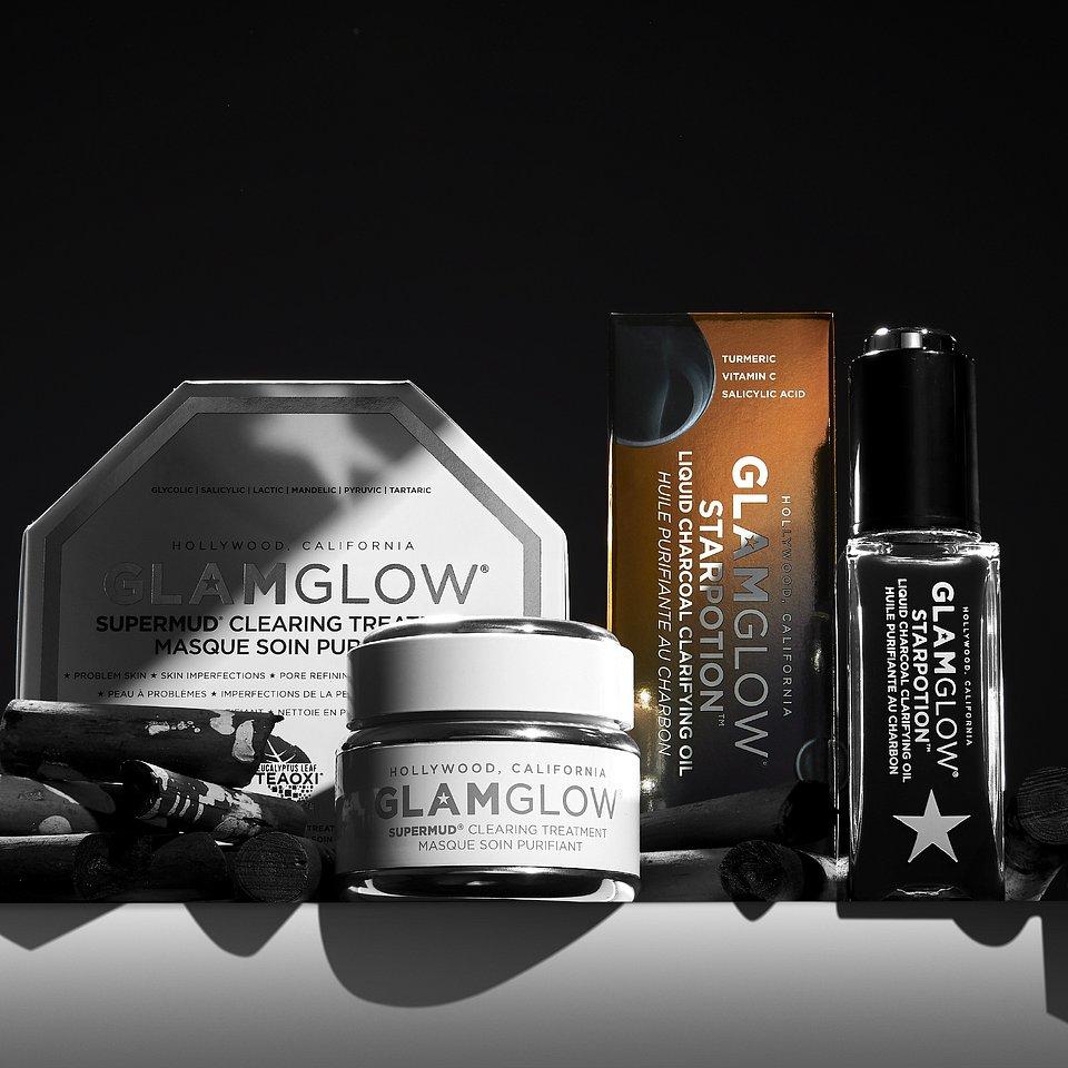 Glamglow czyli pielęgnacja rodem z Hollywood! Zaawansowany system oczyszczania skóry, który sprawia że cera nabiera świeżego blasku. Opracowany w laboratoriach GLAMGLOW skutecznie walczy z najczęściej rozpowszechnionymi problemami skóry twarzy: z rozszerzonymi porami, przebarwieniami, wypryskami, zaskórnikami, podrażnieniami. Innowacyjna formuła idealnie oczyszcza skórę z nadmiaru tłuszczu, talku i zamieszczeń, a zawarte substancje czynne idealnie ją pielęgnują. Kosmetyk działa złuszczająco, antybakteryjnie, matująco, nie wysuszając przy tym skóry. Dodatkowo stymuluje regeneracje komórek.