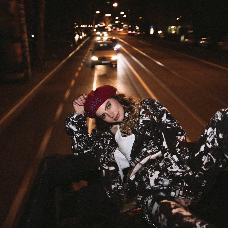Amber Van Day_photo 3.jpg
