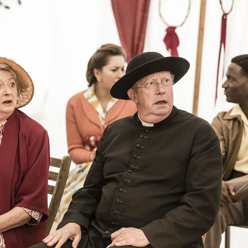 Father Brown S8 Ep9_007.jpg