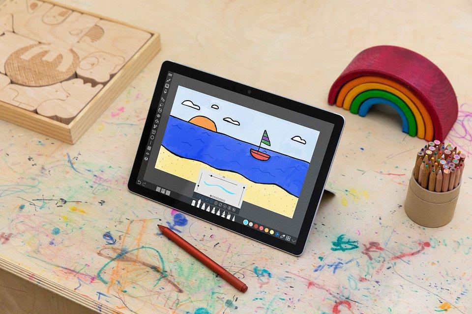 Surface Go 3 - Creating_under embargo until September 22.jpg