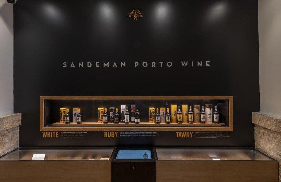 Caves Sandeman Best Wine Tourism 2019 a.jpg