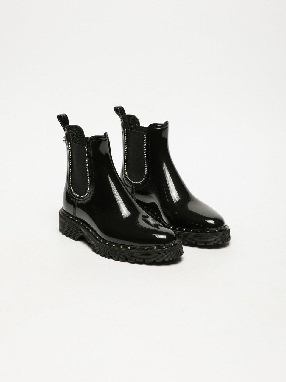 4f6935a8b8 Sapatos que combinam a inovação do design e a qualidade da produção. Se  procura uns botins com estilo elegante mas que se adaptam ao mesmo tempo ...