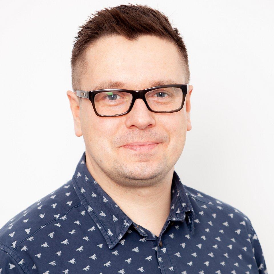 Paweł_Modzelewski_kolor.jpg
