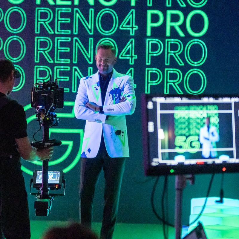 Backstage_OPPO_1.jpg