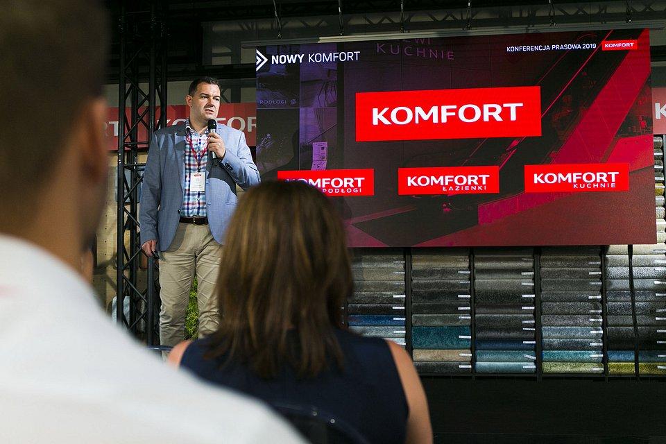 Michał Szlapański, Dyrektor Marketingu Sklepy KOMFORT S.A. podczas wystąpienia.