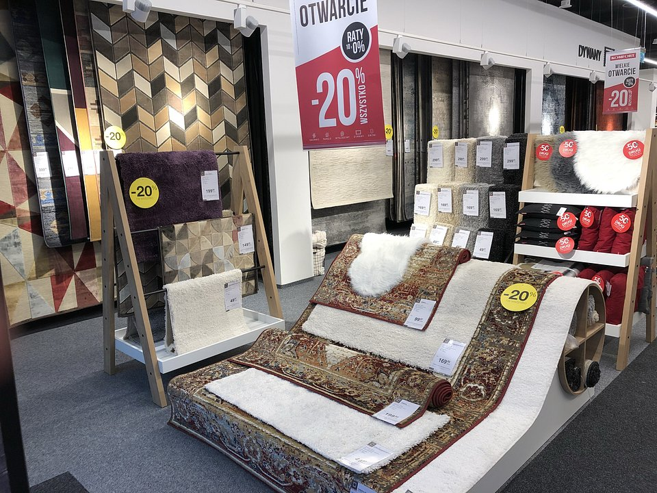 Widok na dywany_wnętrze sklepu