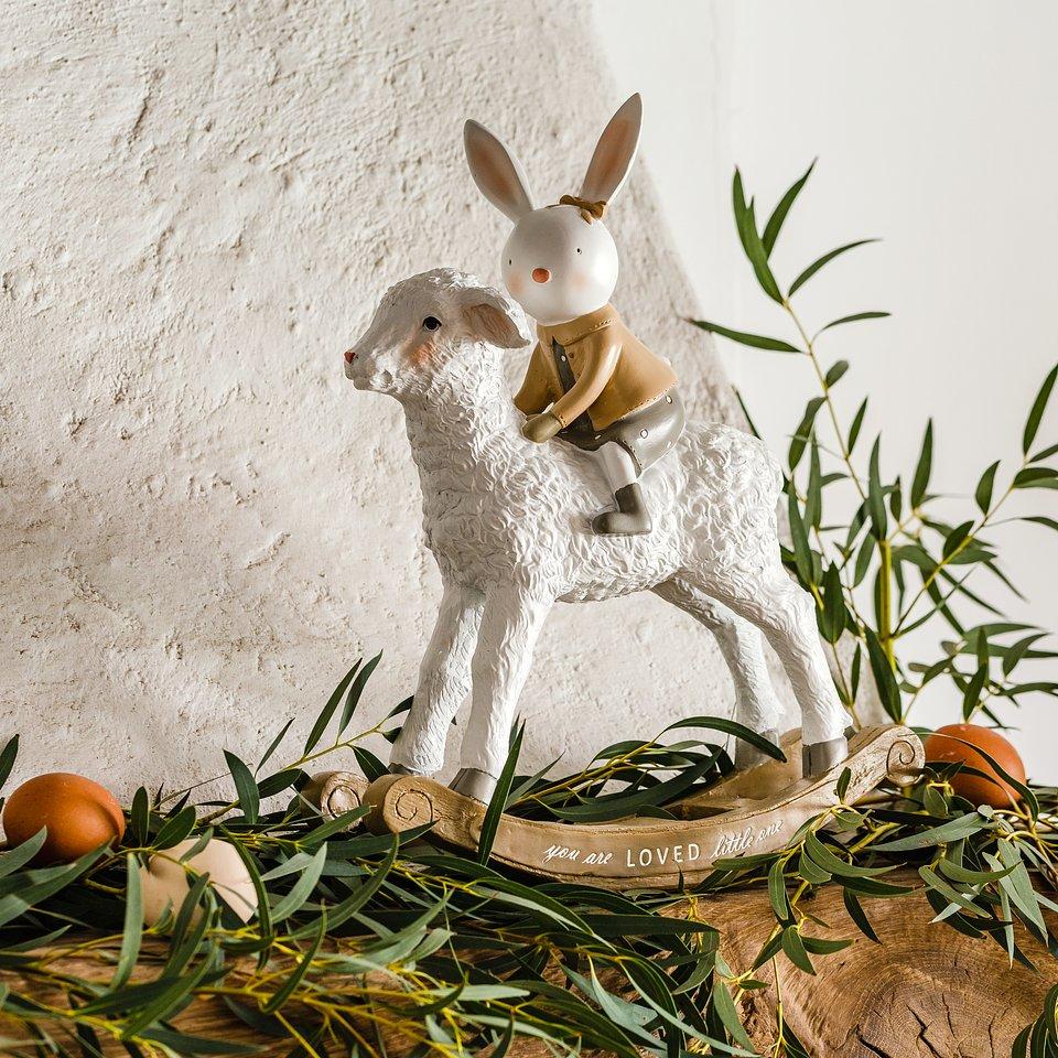 materiały prasowe home&you - figurka Eastersheep