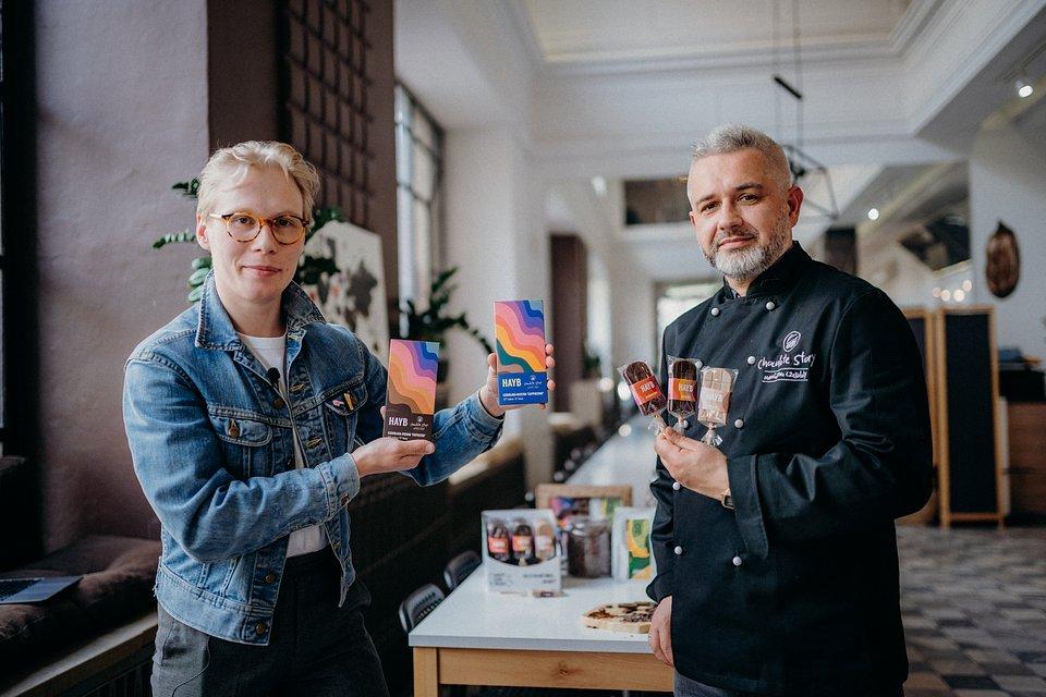 Mateusz Tryjanowski, e-commerce i marketing manager HAYB Speciality Coffee oraz Marcin Parzyszek, współwłaściciel i członek zarządu Manufaktury Czekolady Chocolate Story