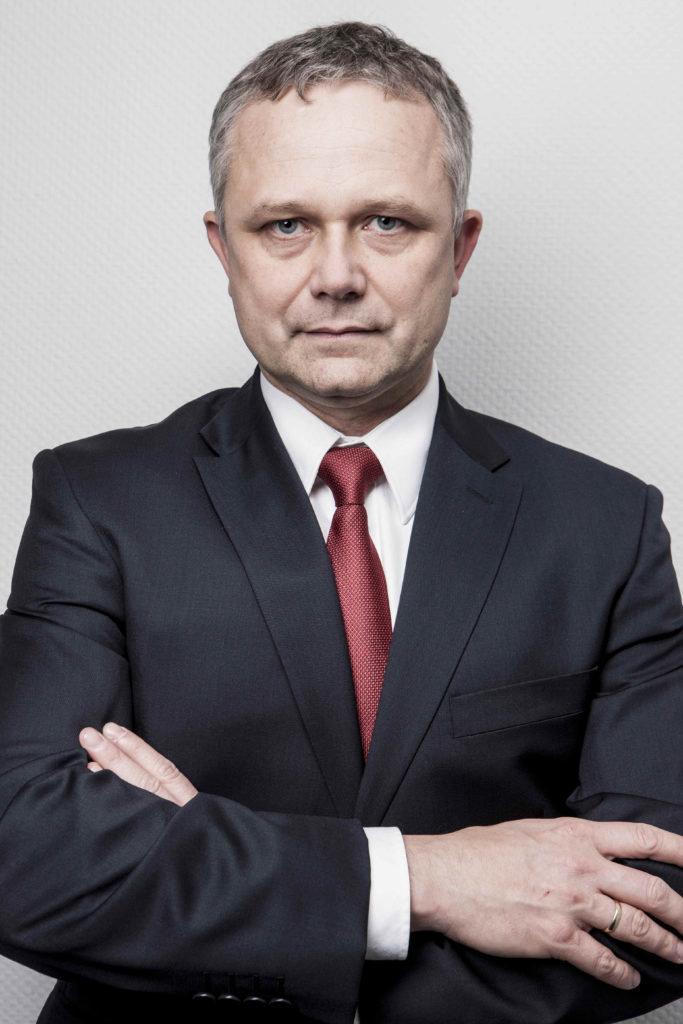 slawomir-stachowicz-wiceprezes-zarzadu-pern-s.a.-683x1024.jpg
