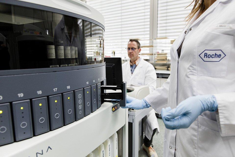 badanie tkanek w Penzbergu.jpg
