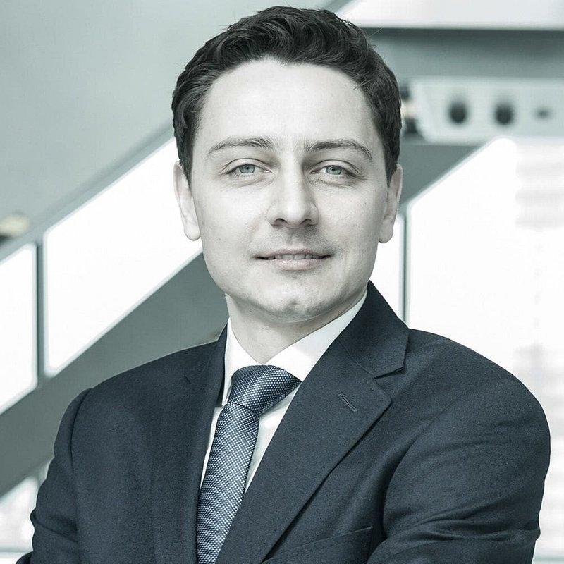 Paweł-Stankiewicz_Senior-Leasing-Manager.jpg
