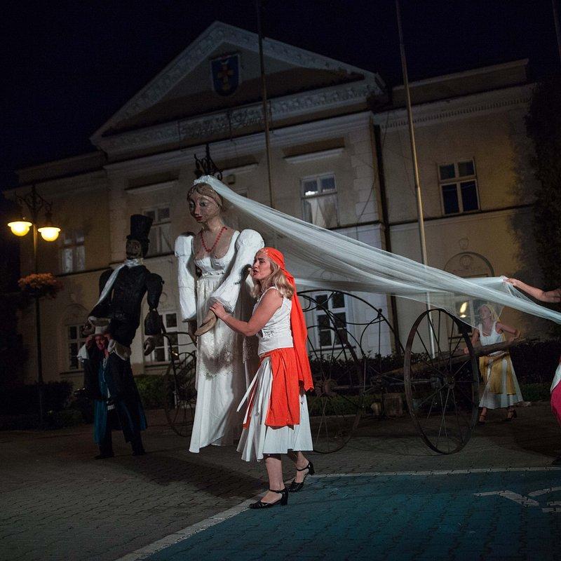 Teatr_Makata_Wesele_fot_Aleksander_Szamałek (6).jpg