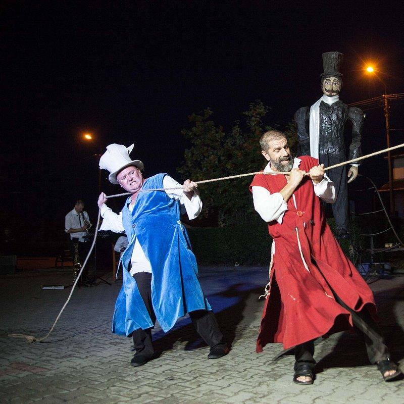 Teatr_Makata_Wesele_fot_Aleksander_Szamałek (10).jpg