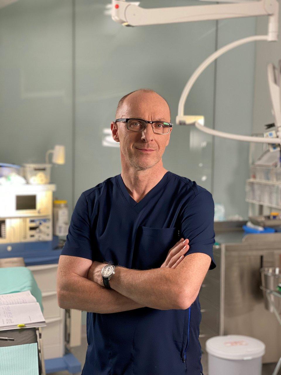 Ekspertem w programie jest dr n. med. Piotr Kolczewski (na zdjęciu) / fot. TVN Grupa Discovery.