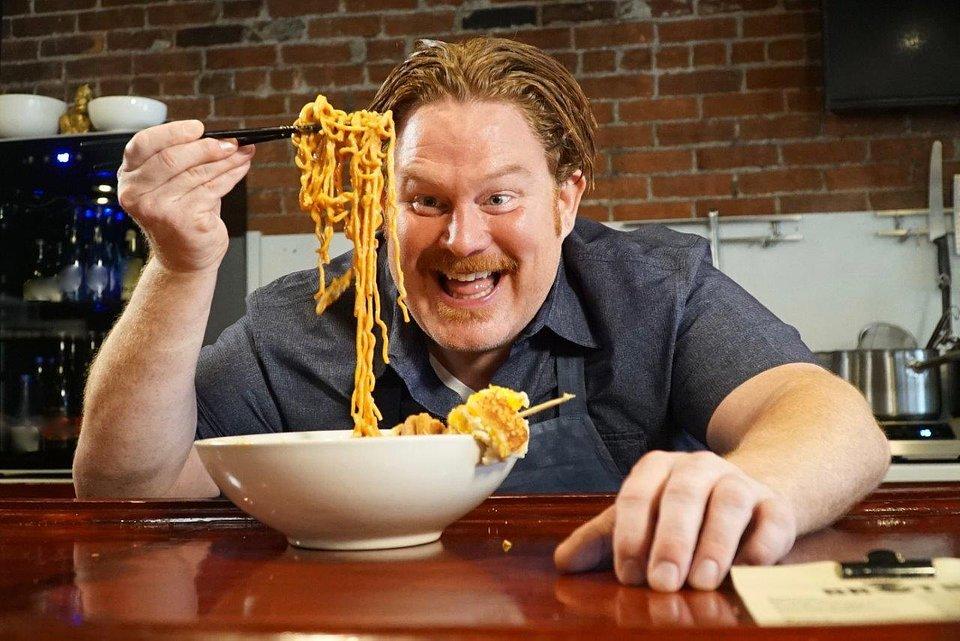 Człowiek kontra jedzenie (Man v. Food 3) (1).jpg
