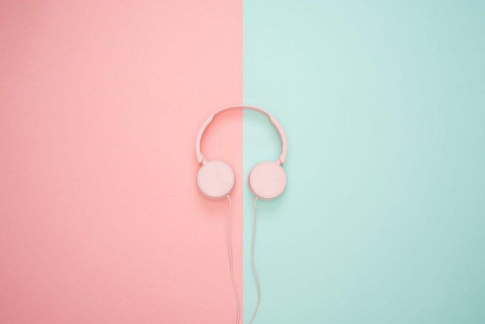 Earphones.jpg