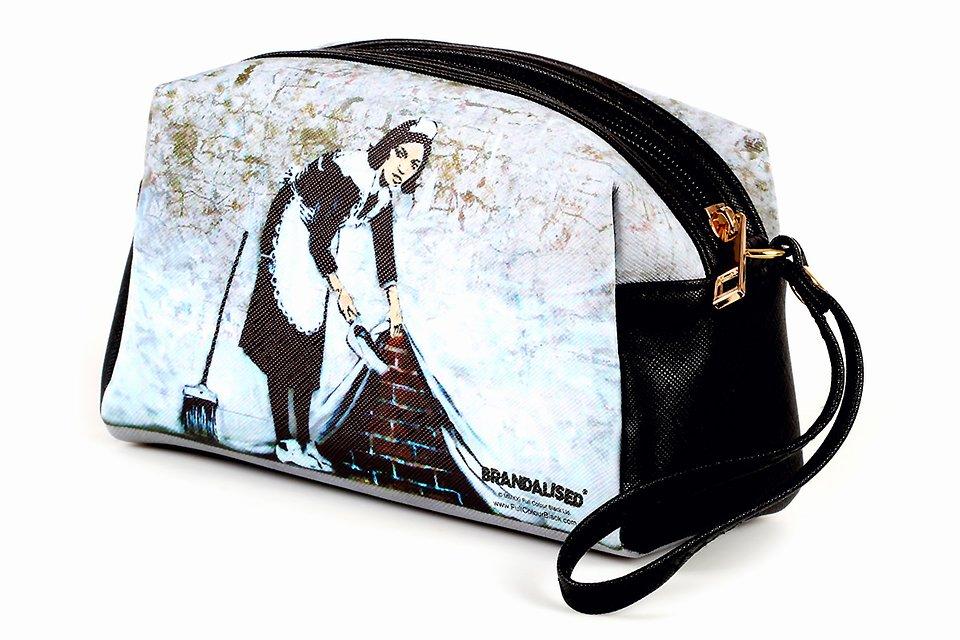 Banksy, Kosmetyczka, Camden maid 29,99zł.jpg