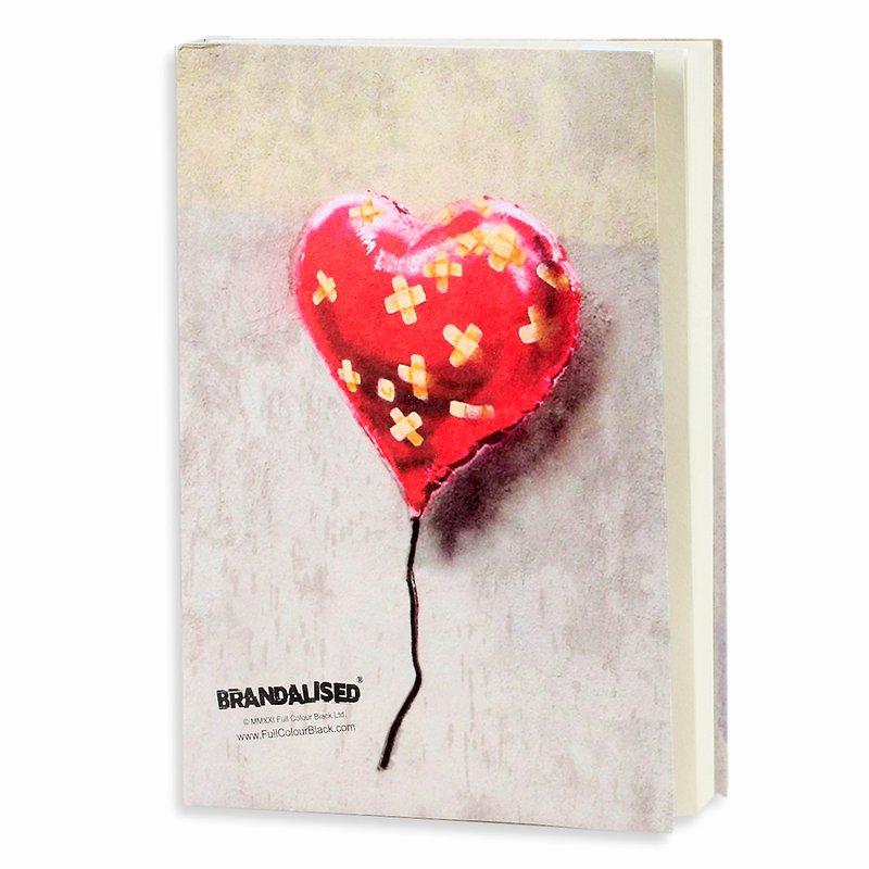 Banksy, Szkicownik, A5, Bandaged heart, 120 kartek  19,99 zł.jpg