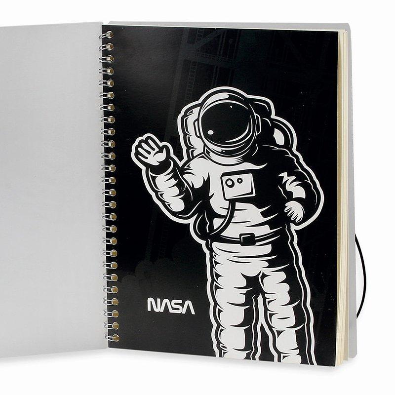 24,99 zł Kołozeszyt, Space Mission, B5, astronauta, 77 kartek.jpg