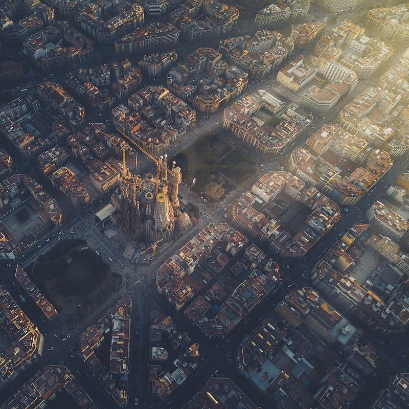 Last light in Barcelona by @henrydo, USA.jpg