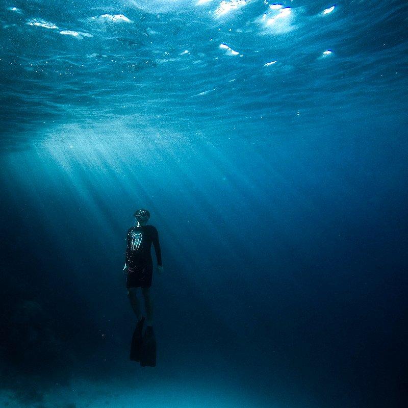 Underwater light by Rahmad Larae (Banda Islands, Indonesia).jpg