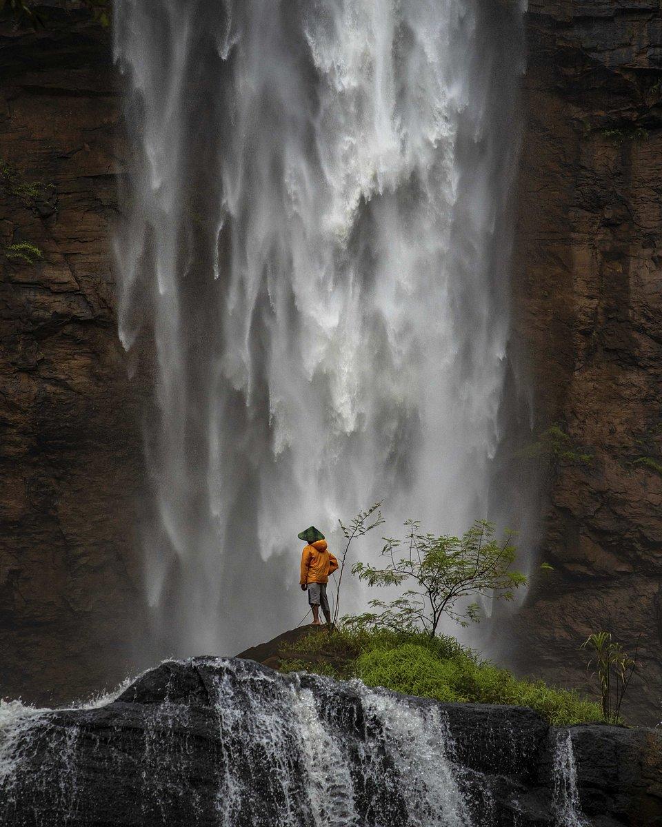 Breathtaking shot of the Cikanteh waterfall, Indonesia (Endang Sulaeman/AGORA images)