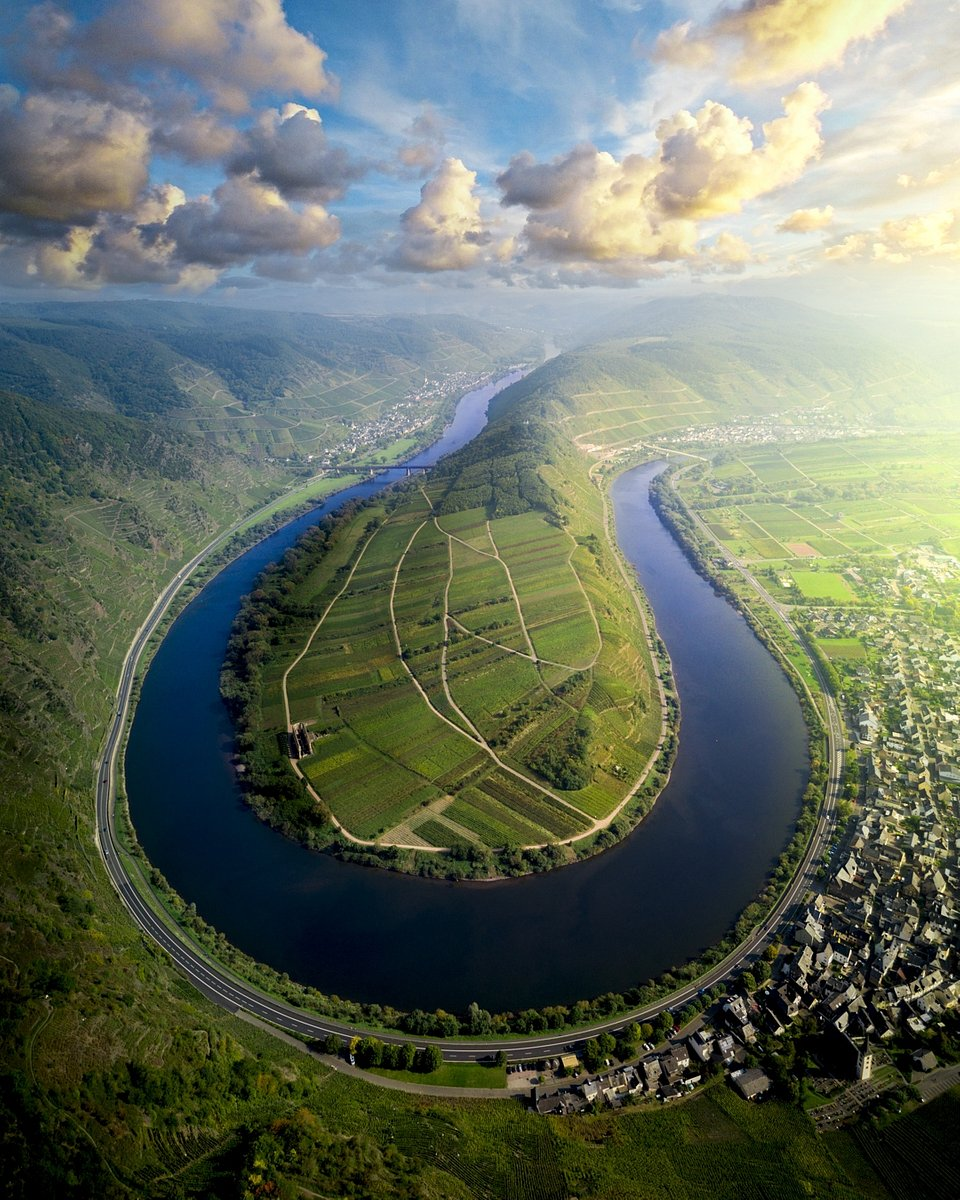Breathtaking aerial scenery from the Moselle Bend, Germany (Henry Do/AGORA images)
