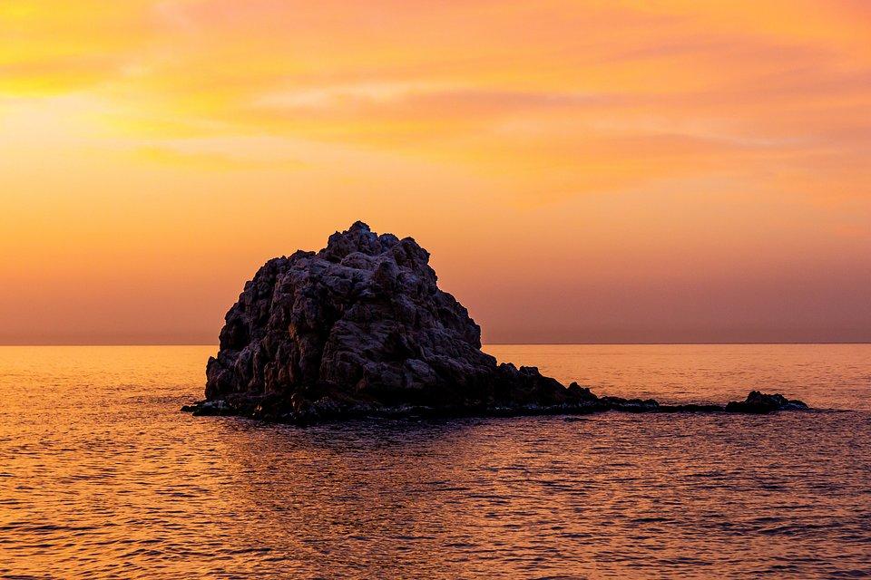 Sunset over Roca Grossa cove in Calella, Costa Brava (Xavi Carrión/AGORA images)