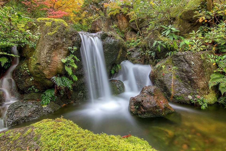 Indonesian waterfall (Yudi Kristianto/AGORA images)