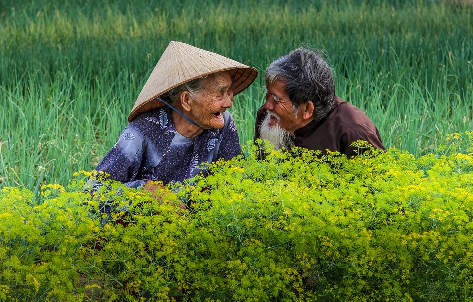 Elderly couple in Vietnam (Diep Van/ AGORA images)