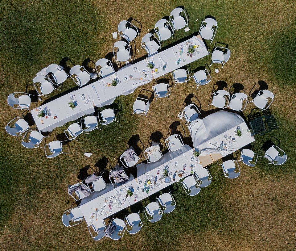 The photographer immortalized his best friend's wedding rehearsal from the sky, Switzerland (Ale Ferro/AGORA images)